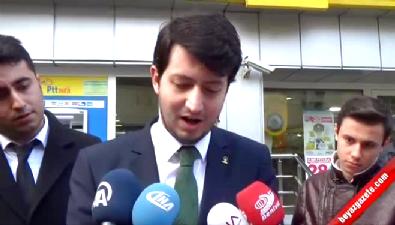 Ak Partili Gençlerden Dekanı Hasan Herken'a bornozlu tepki