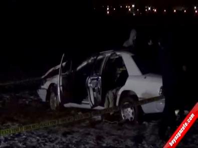 Sivas'ta Otomobil Tarlaya Uçtu: 1 Ölü, 1 Yaralı