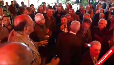 CHP'li Başkan 200 kişiyle parti binasını bastı