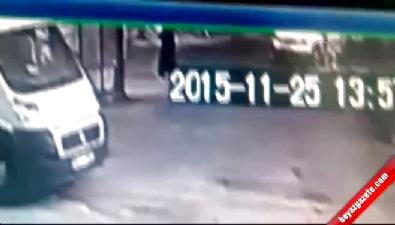 Yaşlı kadının ezildiği an saniye saniye görüntülendi