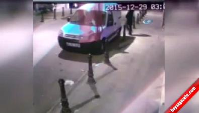Pendik'te Türk bayrağına bıçaklı saldırı