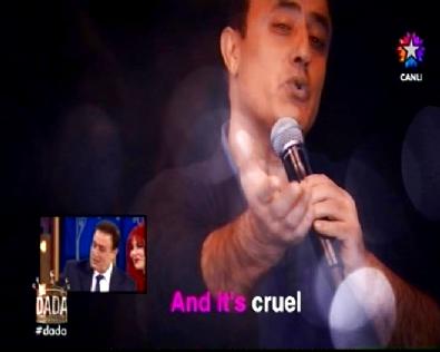 okan bayulgen - Dada Dandinista'da Mahmut Tuncer'den İngilizce Şarkı Performansı ve Klibi