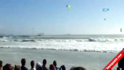 Uçurtma sörfü yarışlarında feci kaza!