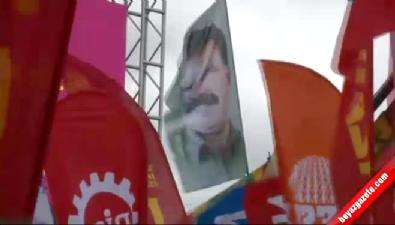 abdullah ocalan - 1 Mayıs kutlamalarında Abdullah Öcalan posterleri