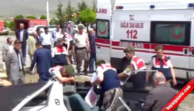 İki Otomobil Kafa Kafaya Çarpıştı: 1'i Bebek, 3 Ölü
