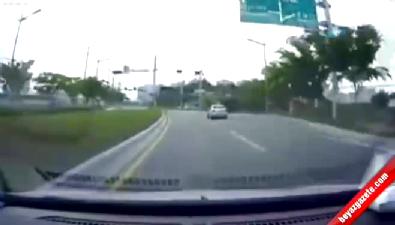 Trafik lambası ihlali kötü sonuçlandı