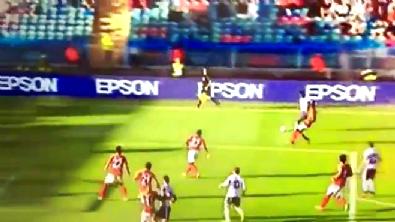 Manchester United'ın yeni transferi İbrahimovic'ten Galatsaray'a rövaşata golü!