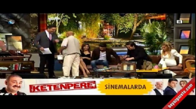 beyaz show - Hamal Mehmet Amca Beyaz Show'da insanlık dersi verdi