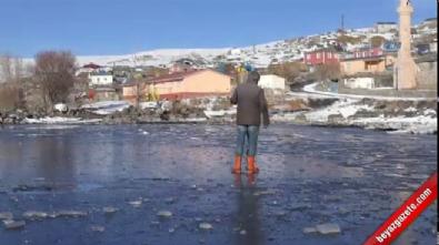 cildir golu - Buzla kaplanan Çıldır Gölü büyülüyor  Videosu