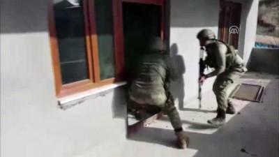 arac plakasi - 2 PKK'lı terörist yakalandı - DİYARBAKIR