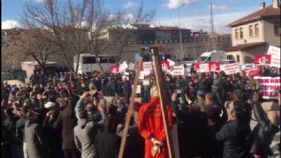 golbasi - Şehit Halisdemir davası öncesi sanıklar protesto edildi