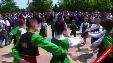 Başbakan Yıldırım, Türk bayrakları ile karşılandı