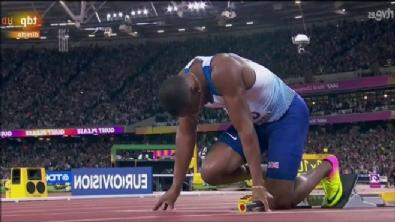 Usain Bolt son yarışında sakatlandı
