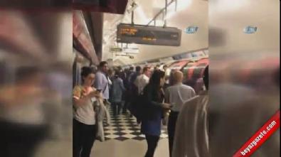 Londra'da metro istasyonunda patlama sesi ve duman!