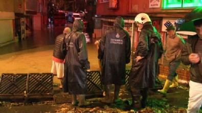 Sarıyer'de evler sular altında kaldı mahalleli belediyeye isyan etti
