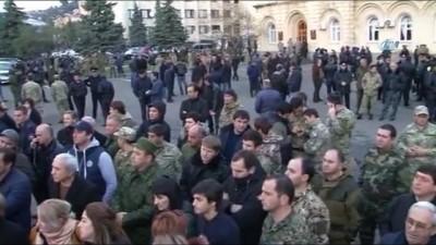 siyasi parti -  STK'lardan Abhazya Cumhurbaşkanına İstifa Çağrısı