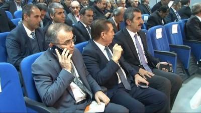 siyasi parti -  Vali Güzeoğlu, Ergani'de muhtarlarla bir araya geldi