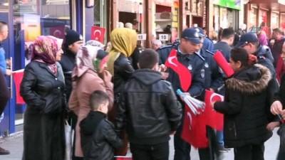 kalaba -  Şahinbey Belediyesi'nden dört bir yana Türk bayrağı