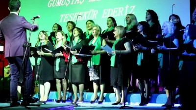 Mühendis, ev hanımı, muhtar, terzi, güvenlik görevlisi...18 kadından oluşan koro konser verdi