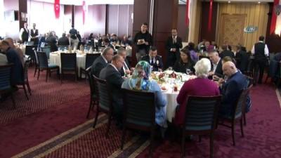 İstanbul Emniyet Müdürü Dr. Mustafa Çalışkan emekli olan emniyet mensuplarıyla buluştu