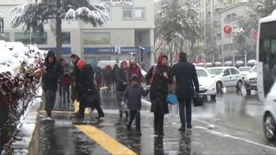 ataturk -  Niğde güne karla uyandı