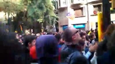 - Ayrılıkçı Katalanlar polisle çatıştı