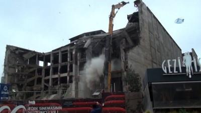 sinema salonu -  AKM'nin yıkım çalışmaları aralıksız sürüyor
