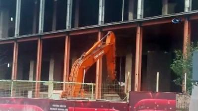 sinema salonu -  AKM'nin yıkımı için iş makineleri çalışmaya başladı