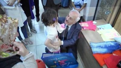 muhtarliklar -  3 bin çocuğa bayram hediyesi