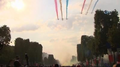 Şampiyon Fransa Milli Takımı kahraman gibi karşılandı
