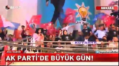 Cumhurbaşkanı Erdoğan yeniden genel başkan seçildi