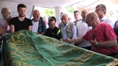 Kazada yaşamını yitiren, 'atma türkü'leriyle ünlü Çakar son yolculuğuna uğurlandı - RİZE