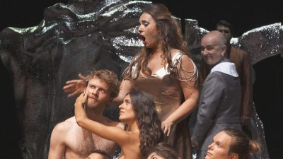 Soprano Sonya Yoncheva 'Poppea'nın Taç Giyme Töreni'nde büyüledi