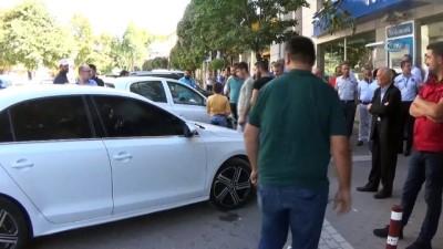 arac plakasi -  Zanlı, polisi metrelerce sürükledi