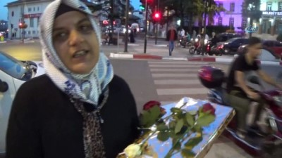 arac plakasi -  Trafikte darp edilen kadından zanlıları yakalayan polise teşekkür