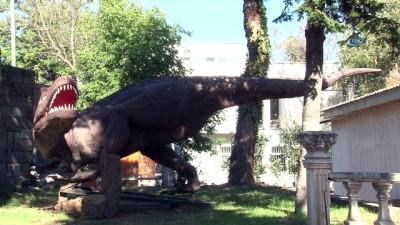 dinozor -  Gökçek'in dinazorları Ankara'dan Trabzon'a göç etti