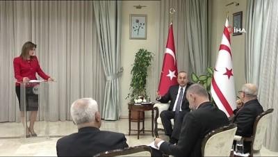 calisan gazeteciler -  -Bakan Çavuşoğlu KKTC basını ile bir araya geldi