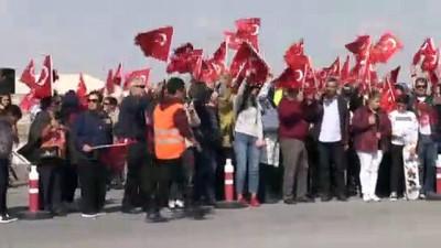 Kadın akrobasi pilotundan Cumhuriyet Bayramı'na özel gösteri - ESKİŞEHİR