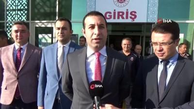 Karaman adliyesinde vatandaşlara fidan dağıtıldı