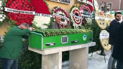 Eski milli futbolcu Oğuz Çetin'in babası Sakarya'da son yolculuğuna uğurlandı