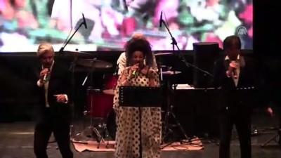 komedyen - Nejat Uygur, Bilecik Tiyatro Günleri'nde anıldı