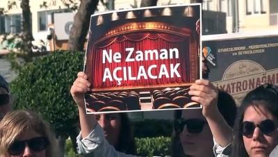 İşten çıkarılan tiyatrocular için protesto - ANTALYA