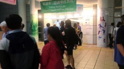 Protestoların devam ettiği Hong Kong'daki yerel seçimde oy sayım işlemi başladı - HONG KONG