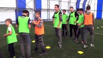 amator lig - Sevgi evlerinde kalan çocuklar futbol takımı oluşturdu - MUŞ