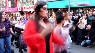 feminist - Şilili kadınların danslı protestosuna İzmir'den destek
