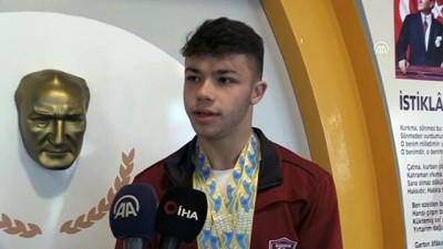 milli halterci - Avrupa şampiyonu milli halterci Hakan Şükrü Kurnaz, okulunda coşkuyla karşılandı - KIRIKKALE