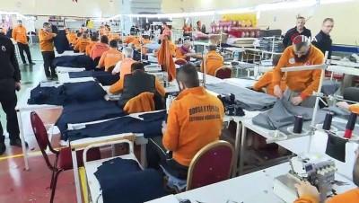 tatli imalathanesi -  Mahkûmlar üretiyor, çocuklar seviniyor