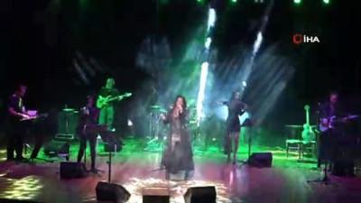 Dünyaca ünlü ses sanatçısı Della Miles Batman'da konser verdi
