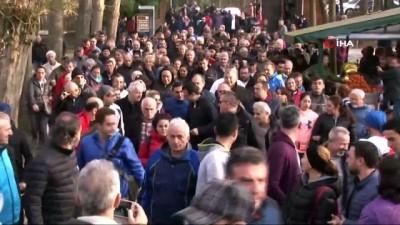 Seçim turuna mola veren İmamoğlu Belgrad Ormanı'nda yürüyüşe çıktı
