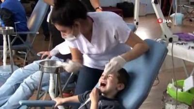 Özel çocuklara diş bakımı